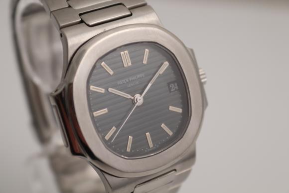 Patek Philippe Nautilus Ref. 3800/ box/ papers/ service