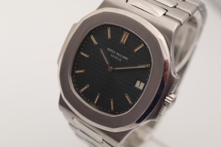 Patek Philippe Rare Nautilus Ref.3700 with new service, Corcbox